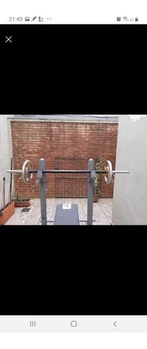 equipamento de musculacao peitoral, costas e bracos