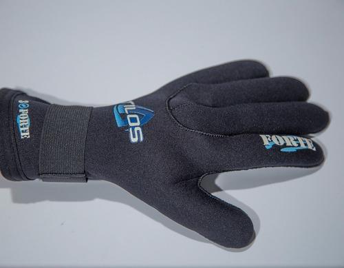 equipo de buceo. guantes de neopreno 3mm