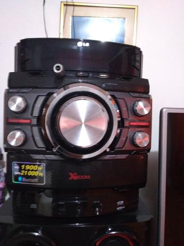 equipo de sonido con 3 parlantes