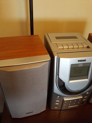 equipo de sonido pequeño cd radio y cassette