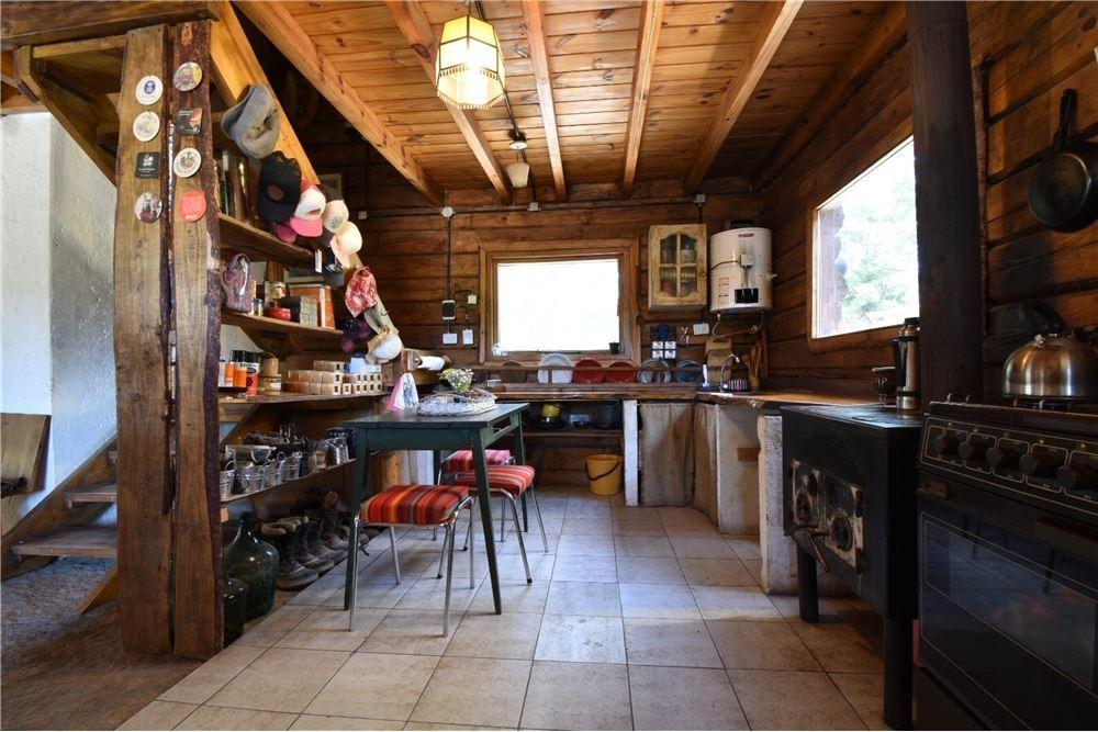 equipo remax vende casa con costa arroyo meliquina