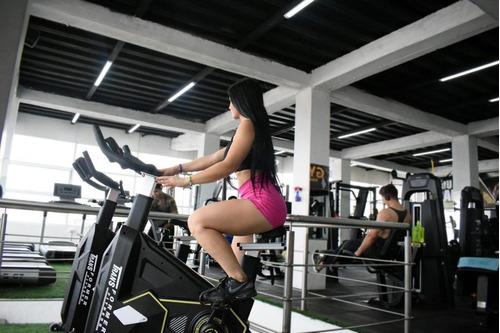 equipos y maquinas para gimnasios