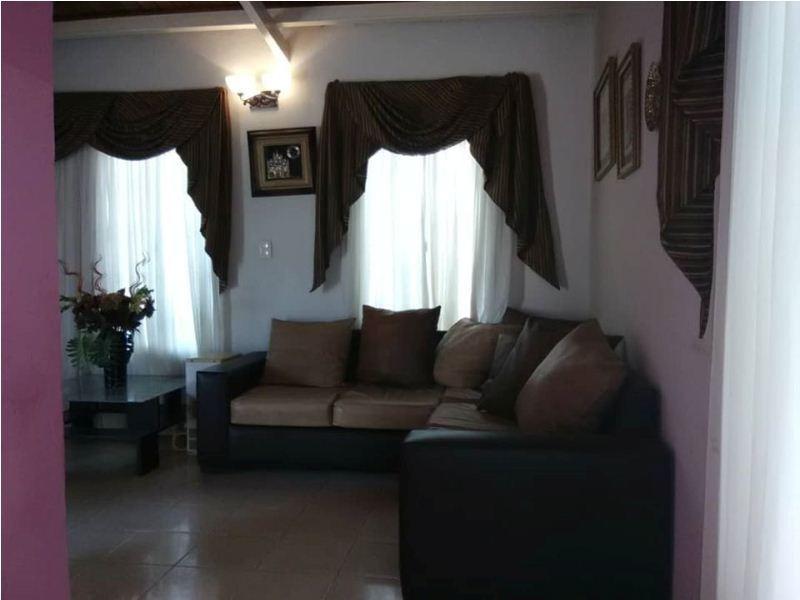 erika colina vende casa en guacara prados del lago stc-327