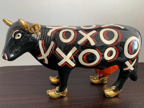 es un vaca de colección comprada en arangos