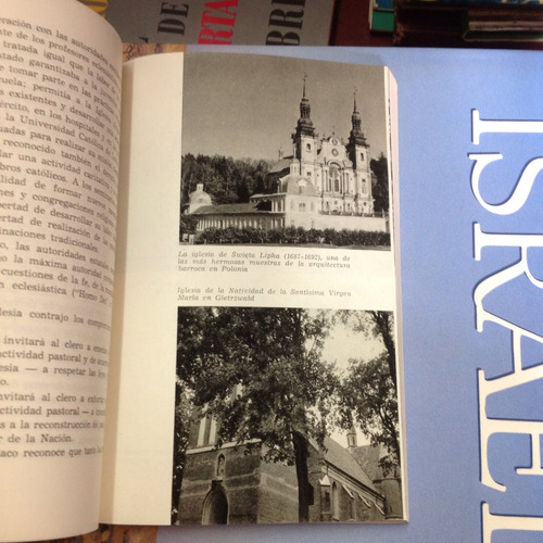 esbozos sobre la iglesia en polonia. adam piekarski.