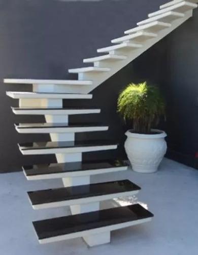 escadas em concreto maciço sobre medidas