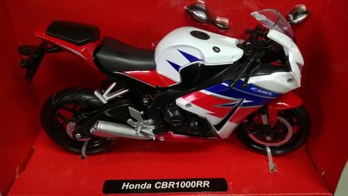 escala 1/12 , 18 cms moto deportiva honda cbr 1000rr