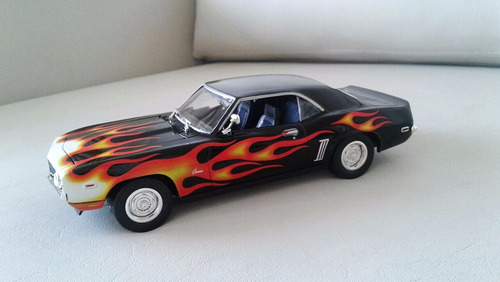 escala 1/24, johnny lightning, hobbie
