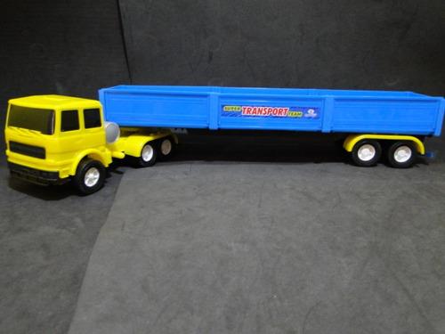 escala 1:32 caminhão