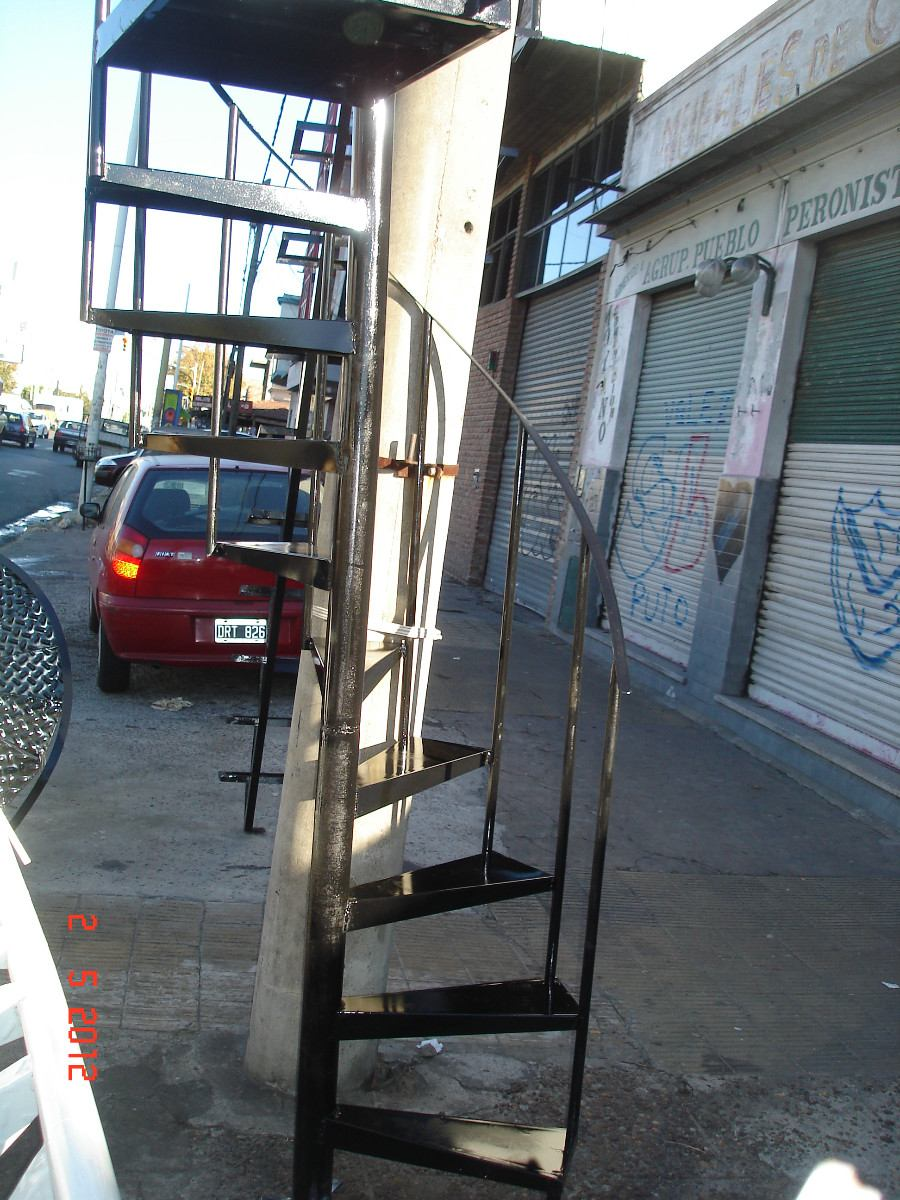 Escalera Caracol 2.20 Escalon De 50 Cm Chapa Lisa Ciudadela ...