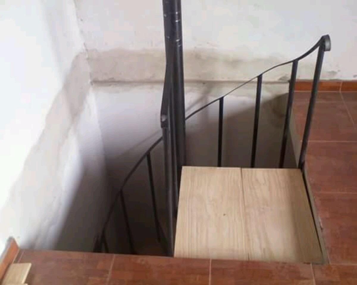 Como hacer una escalera de caracol bricolaje en escaleras for Como hacer una escalera en caracol