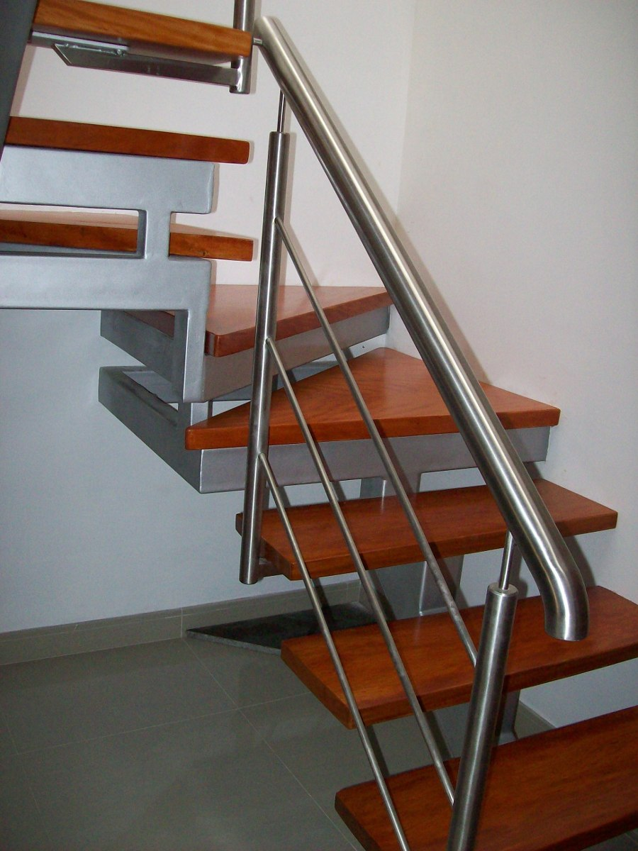 Escalera con pasos de madera s en mercado libre for Escalera de madera 5 pasos