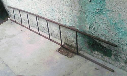 escalera de puro hierro