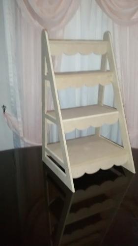 Escalera decorativa exhibidor mobiliario candybar for Escalera decorativa