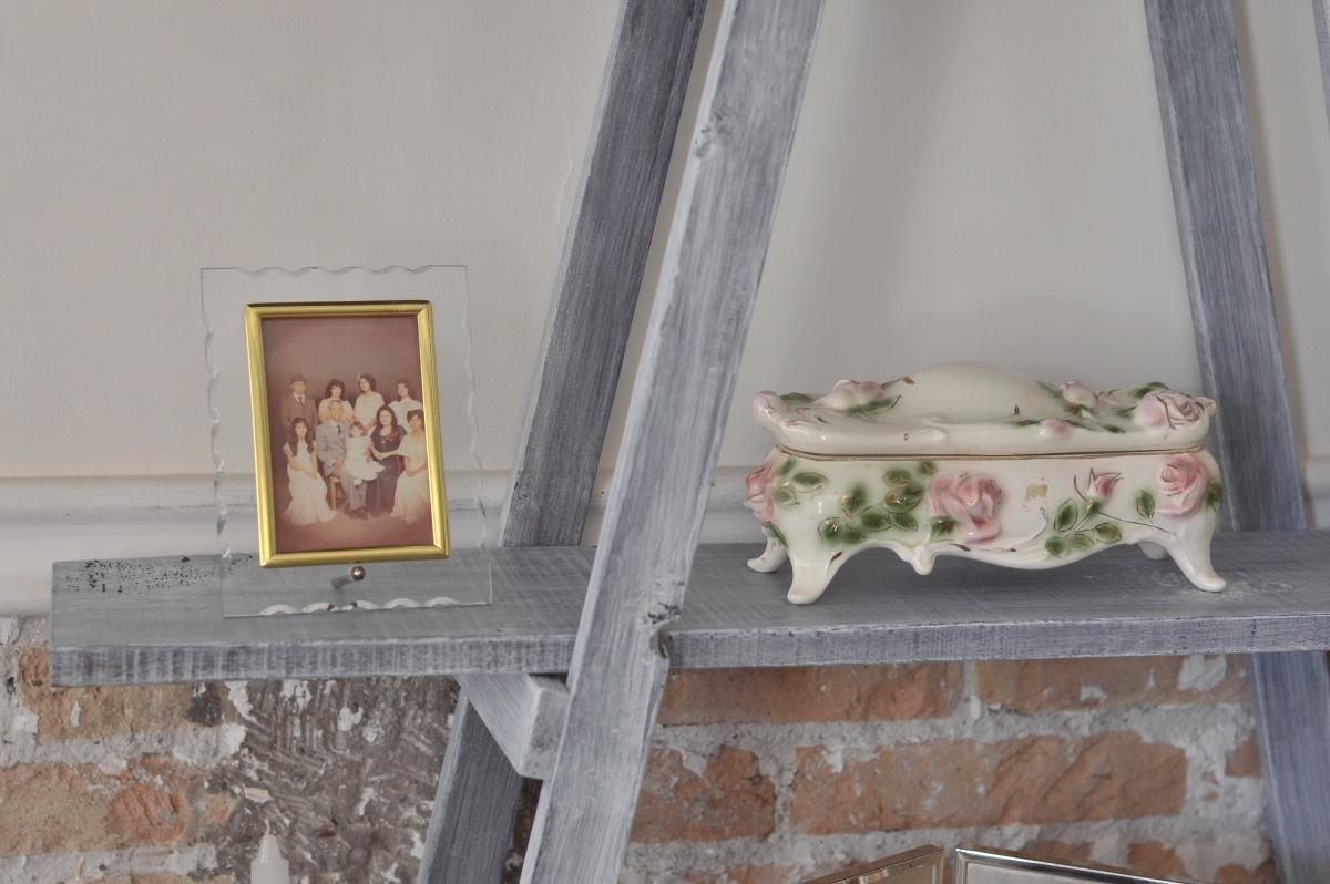 escalera decorativa vintage mueble de repisas sala comedor