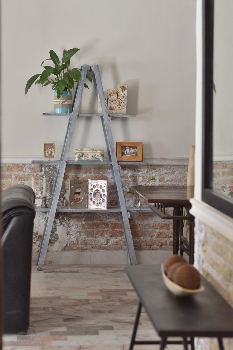 Escalera decorativa vintage mueble de repisas sala for Escaleras de sala