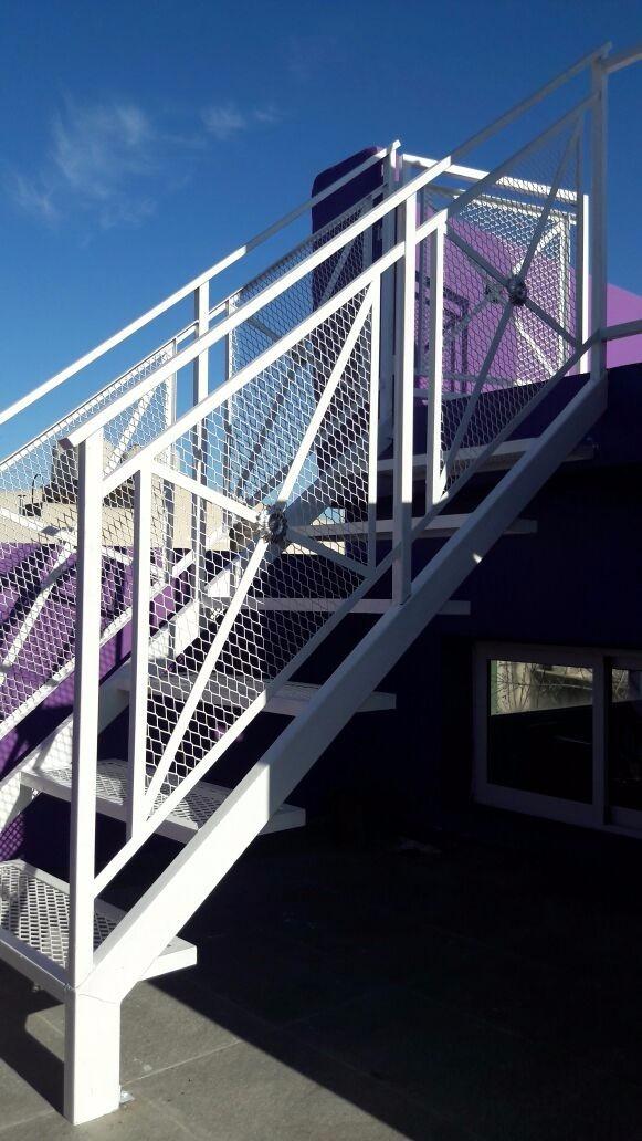 escalera exterior interior de hierro