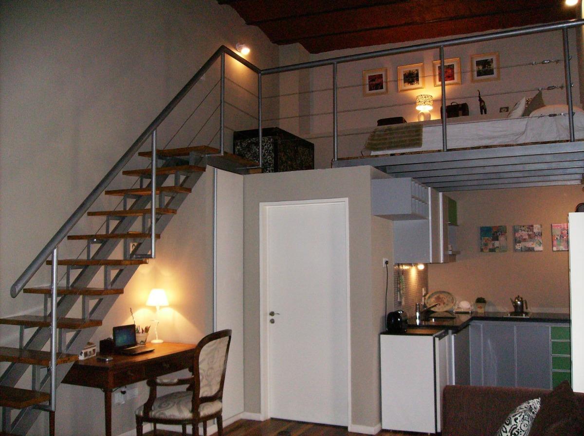 Escalera hierro y madera compensada en l u recta todo reja for Construccion de escaleras de hierro