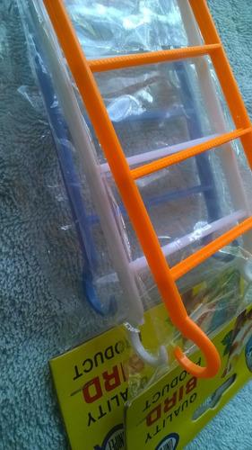 escalera para jaula de pájaro como accesorio