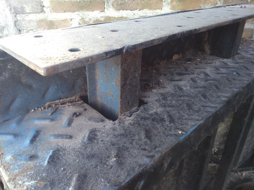 escalera recta de hierro