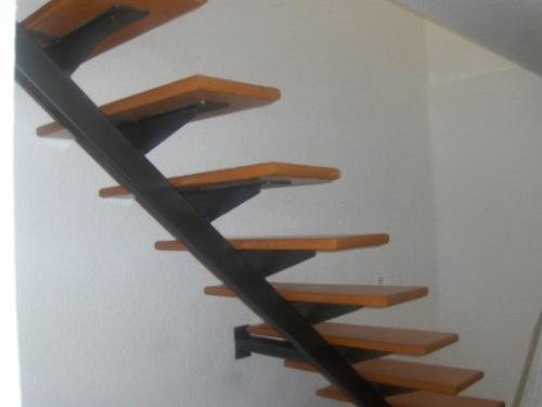 Escalera recta minimalista 22 en mercado libre for Apliques para subida de escalera