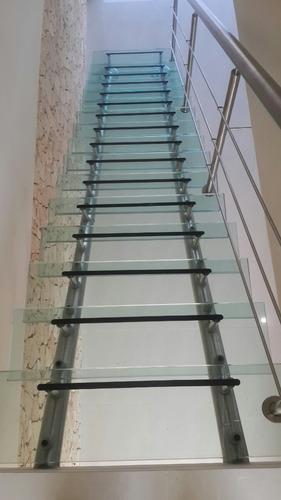escaleras baranda y cristal templado