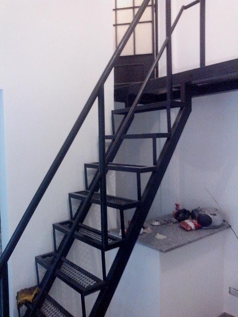 Escaleras De Hierro - Metal Desplegado - Barandas - $ 30,00 en ...
