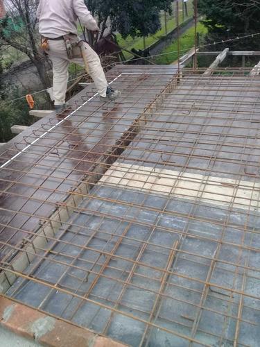 escaleras de hormigón . colocasion de seramica y pinturas