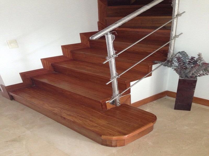 Escaleras en madera maciza todo colombia en for Escalera de madera 5 pasos