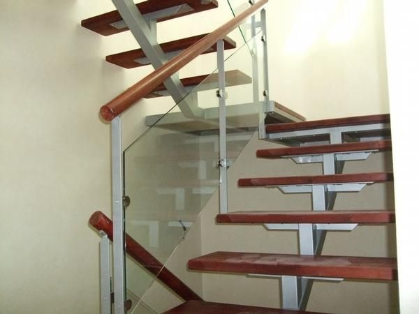Escaleras hierro c madera barandas hierro 400 00 en for Barandas de madera para escaleras interiores
