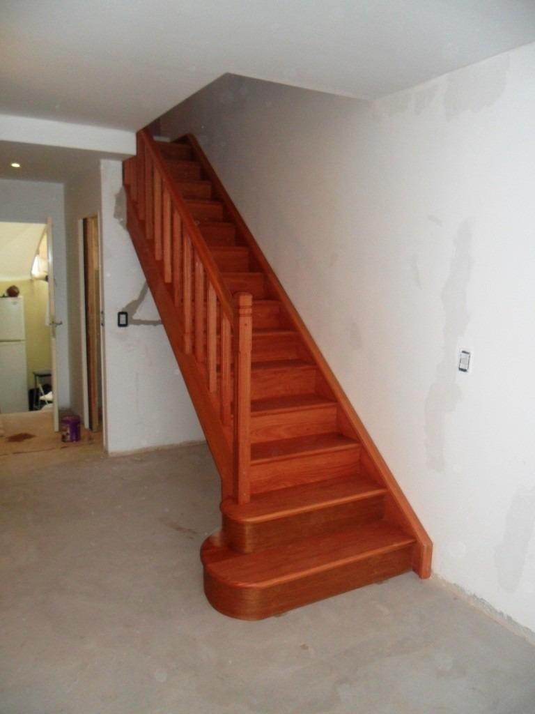 Escaleras de interiores escaleras interiores escaleras for Modelos de escaleras de madera para interiores