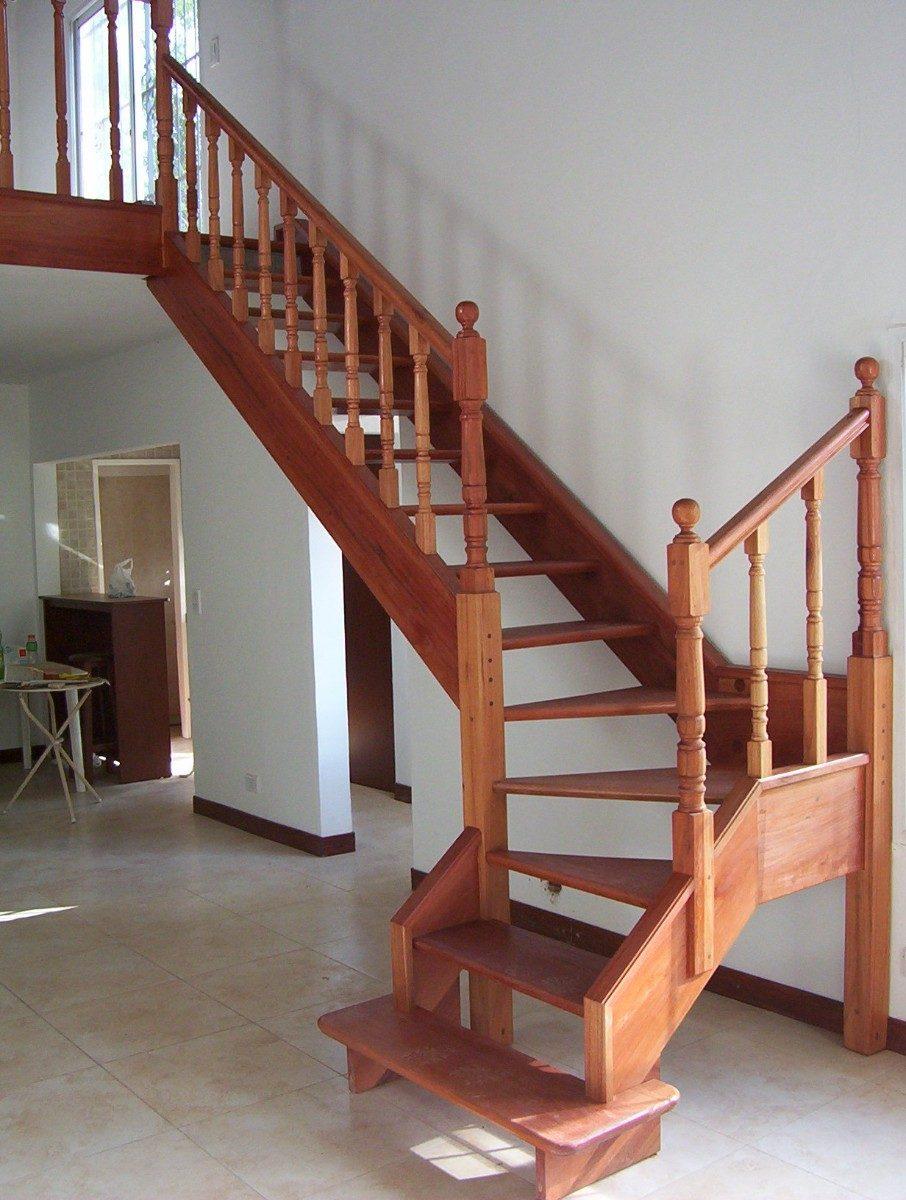 Escaleras interiores de madera revestimientos oferta julio for Escaleras metalicas con madera