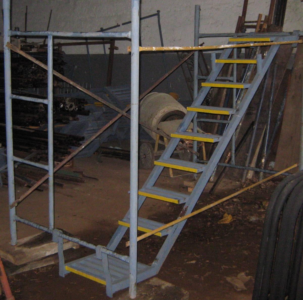 escaleras internas usadas para andamios contado o credito