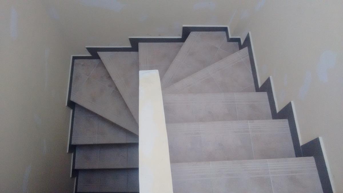 Escaleras prefabricadas en concreto en mercado for Escaleras de aluminio usadas