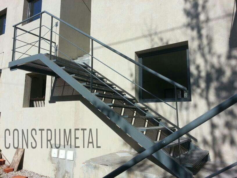 escaleras rectas exterior interior de metal desple y chapa