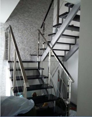 escaleras y barandas en acero inoxidable