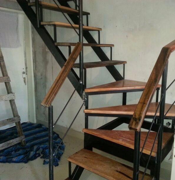 Pasamanos escaleras trendy pasamanos en acero para escaleras balcones piscinas y mas with - Escalera piscina segunda mano ...