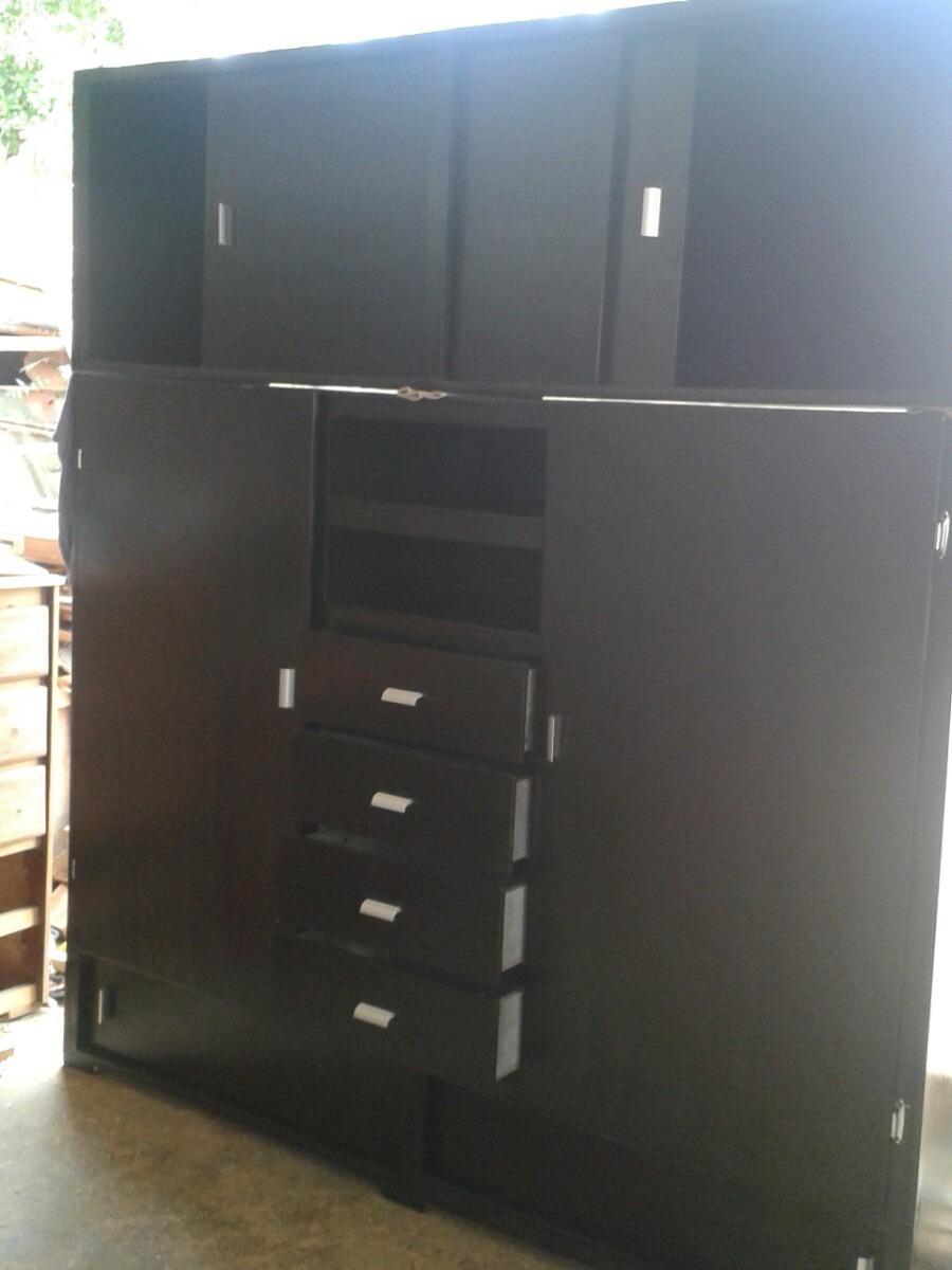 Escaparates armarios closet por metro cuadrado bs for Tilapias por metro cuadrado