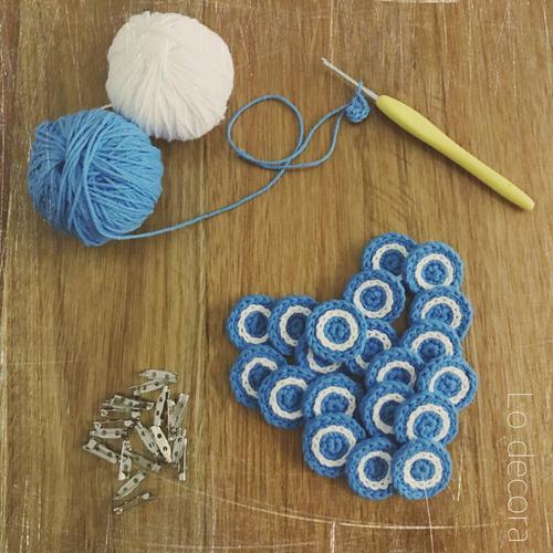 escarapela prendedor o iman argentina tejidas a crochet