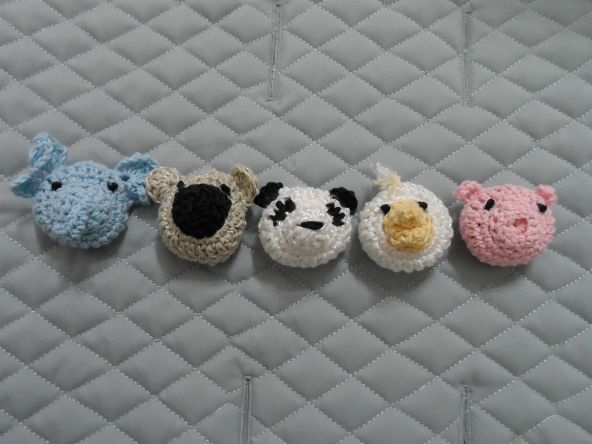 escarpines y portachupete con caritas tejidos al crochet. Cargando zoom. 22c4abc158d