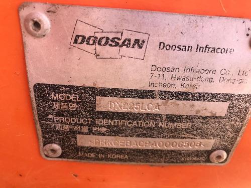escavadeira hidráulica dosan dx 225 com 10 mil horas