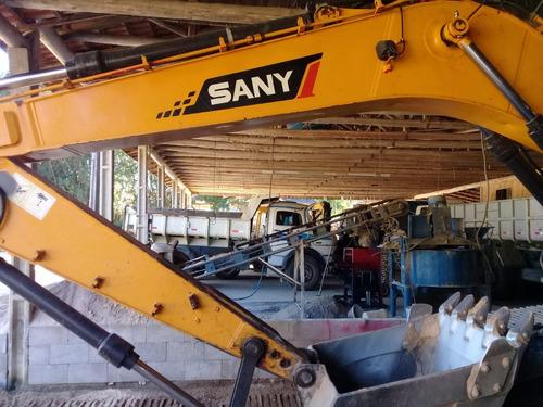 escavadeira hidráulica sany 215 com 3,360 horas