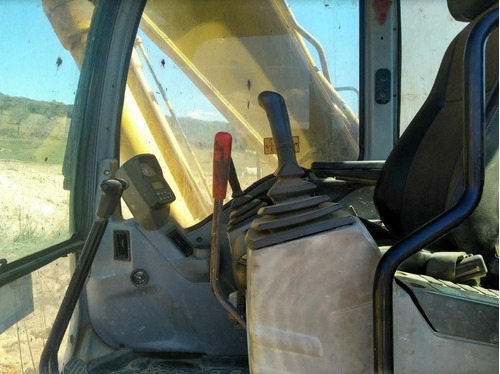escavadeira new holland e215 me 2006