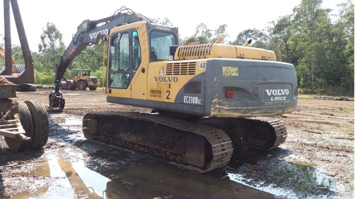 escavadeira volvo 210blc- 2009
