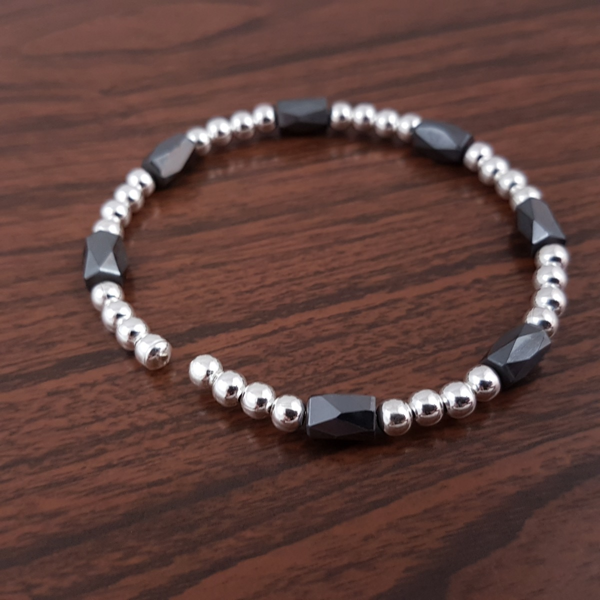 127bb3608549 esclavas flexible de plata italiana 925 con piedra imán. Cargando zoom.