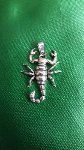 escorpión colgante macizo de plata 9.25 para hombre o mujer