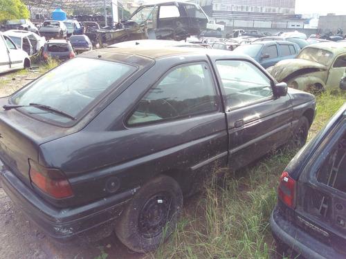 escort 1995 sucata