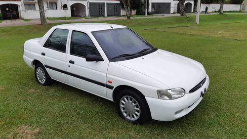 escort zetec 1997 único dono com apenas 41 mil km originais.
