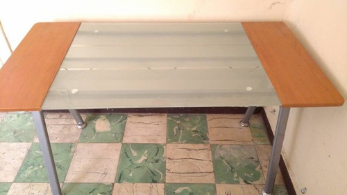 escritorio aluminio con vidrio templado y madera