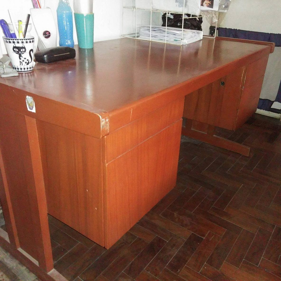 Escritorio amplio de madera para oficina s 220 00 en for Escritorios de madera para oficina